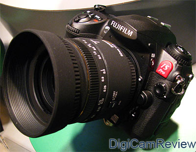 Digicamreviewcom Fujifilm Finepix Is Pro Digital Slr At Focus