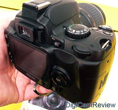 nikon d40 shots. Nikon D40 Back – The screen is